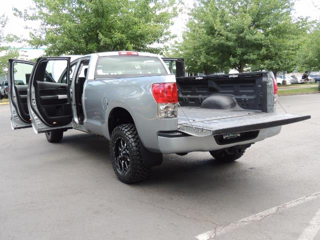 2007 Toyota Tundra 4X4 5.7L Double Cab  / Long Bed / 1-Owner / LIFTED - Photo 25 - Portland, OR 97217
