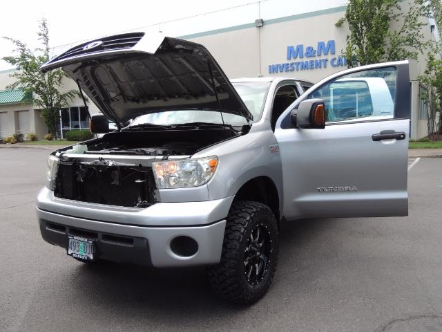 2007 Toyota Tundra 4X4 5.7L Double Cab  / Long Bed / 1-Owner / LIFTED - Photo 32 - Portland, OR 97217