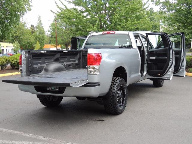 2007 Toyota Tundra 4X4 5.7L Double Cab  / Long Bed / 1-Owner / LIFTED - Photo 28 - Portland, OR 97217