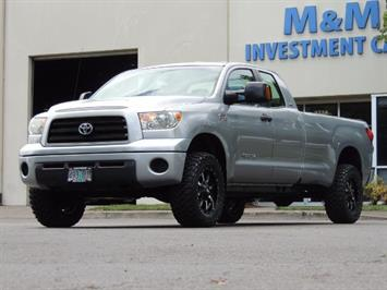 2007 Toyota Tundra 4X4 5.7L Double Cab  / Long Bed / 1-Owner / LIFTED Truck