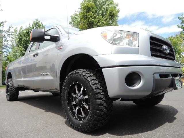 2007 Toyota Tundra 4X4 5.7L Double Cab  / Long Bed / 1-Owner / LIFTED - Photo 10 - Portland, OR 97217