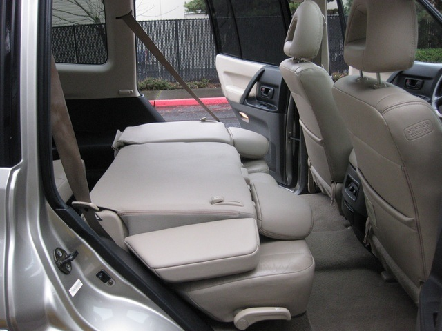 2002 Mitsubishi Montero Limited / 4WD / V6 / 3RD Seat / Leather / Loaded - Photo 26 - Portland, OR 97217