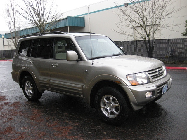 2002 Mitsubishi Montero Limited / 4WD / V6 / 3RD Seat / Leather / Loaded - Photo 2 - Portland, OR 97217