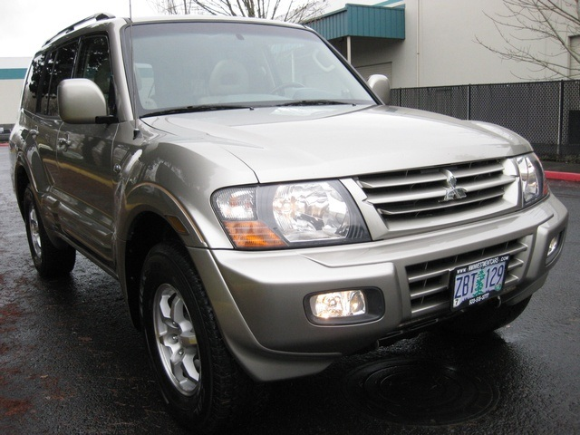 2002 Mitsubishi Montero Limited / 4WD / V6 / 3RD Seat / Leather / Loaded - Photo 52 - Portland, OR 97217