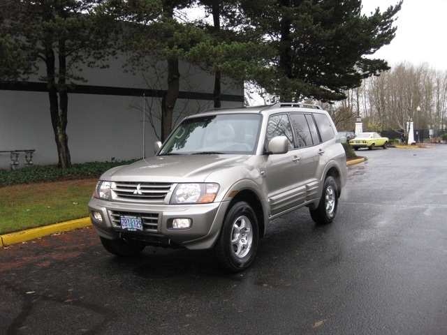 2002 Mitsubishi Montero Limited / 4WD / V6 / 3RD Seat / Leather / Loaded - Photo 54 - Portland, OR 97217