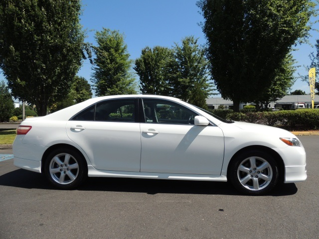 2008 toyota camry se 4cyl automatic sport excel cond. Black Bedroom Furniture Sets. Home Design Ideas