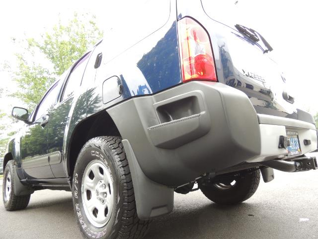 2010 Nissan Xterra X  Sport Utility / 4WD / 6-SPEED MANUAL / 1-OWNER - Photo 12 - Portland, OR 97217