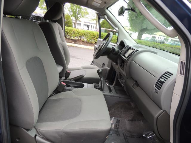 2010 Nissan Xterra X  Sport Utility / 4WD / 6-SPEED MANUAL / 1-OWNER - Photo 17 - Portland, OR 97217