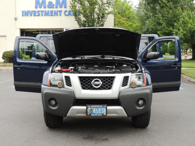 2010 Nissan Xterra X  Sport Utility / 4WD / 6-SPEED MANUAL / 1-OWNER - Photo 32 - Portland, OR 97217