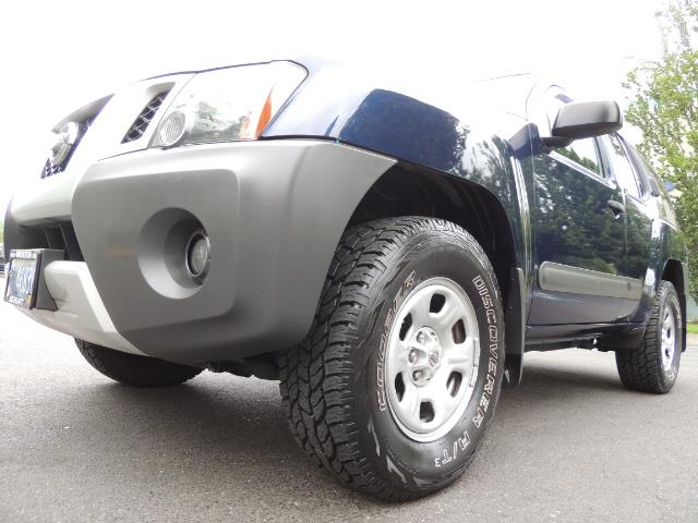 2010 Nissan Xterra X  Sport Utility / 4WD / 6-SPEED MANUAL / 1-OWNER - Photo 10 - Portland, OR 97217