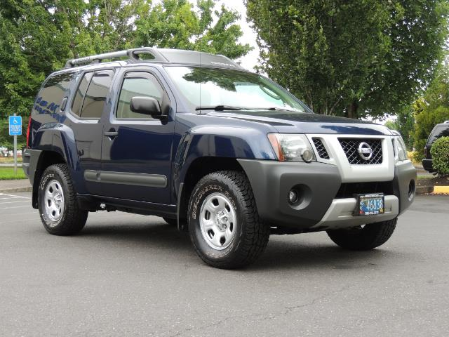 2010 Nissan Xterra X  Sport Utility / 4WD / 6-SPEED MANUAL / 1-OWNER - Photo 2 - Portland, OR 97217