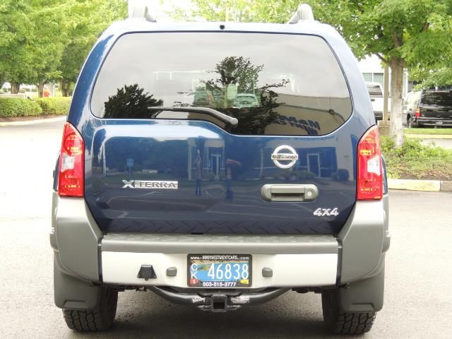 2010 Nissan Xterra X  Sport Utility / 4WD / 6-SPEED MANUAL / 1-OWNER - Photo 6 - Portland, OR 97217