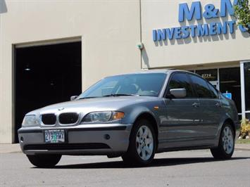 2005 BMW 325i / Sedan / Leather / Sunroof / LOW MILES Sedan