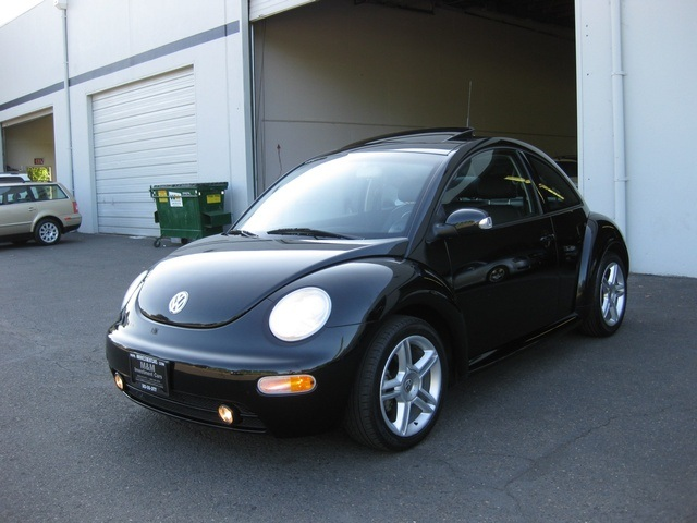 2005 Volkswagen Beetle GLS 1.8T/ Turbo/ Leather/Moonroof/Heated seats