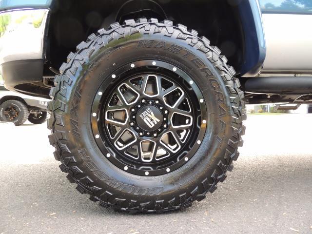 2003 Dodge Ram 2500 SLT / 4X4 / 5.9L Diesel HIGHOUTPUT/ 6-SPEED MANUAL - Photo 22 - Portland, OR 97217