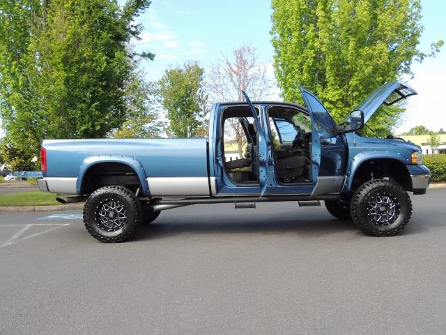 2003 Dodge Ram 2500 SLT / 4X4 / 5.9L Diesel HIGHOUTPUT/ 6-SPEED MANUAL - Photo 24 - Portland, OR 97217