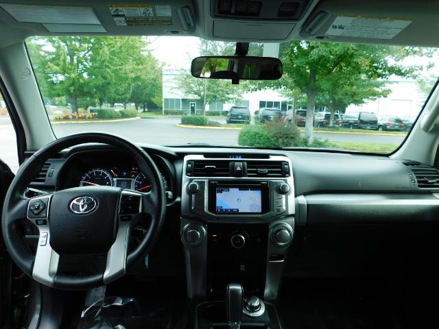 2016 Toyota 4Runner SR5 / 4X4 / Navigation / Back up camera / Execl Co - Photo 34 - Portland, OR 97217