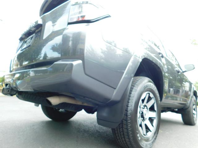 2016 Toyota 4Runner SR5 / 4X4 / Navigation / Back up camera / Execl Co - Photo 12 - Portland, OR 97217