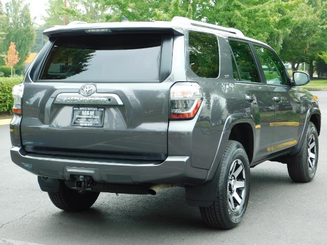 2016 Toyota 4Runner SR5 / 4X4 / Navigation / Back up camera / Execl Co - Photo 8 - Portland, OR 97217