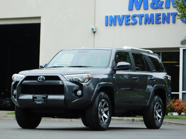 2016 Toyota 4Runner SR5 / 4X4 / Navigation / Back up camera / Execl Co - Photo 45 - Portland, OR 97217