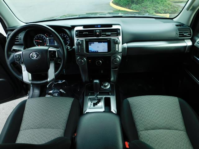 2016 Toyota 4Runner SR5 / 4X4 / Navigation / Back up camera / Execl Co - Photo 36 - Portland, OR 97217