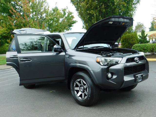 2016 Toyota 4Runner SR5 / 4X4 / Navigation / Back up camera / Execl Co - Photo 30 - Portland, OR 97217