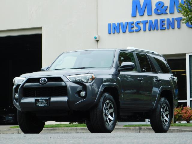 2016 Toyota 4Runner SR5 / 4X4 / Navigation / Back up camera / Execl Co - Photo 46 - Portland, OR 97217