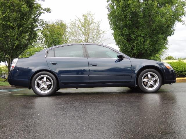 2005 Nissan Altima 3.5 SE / Sedan / Automatic / 6 Cyl - Photo 4 - Portland, OR 97217