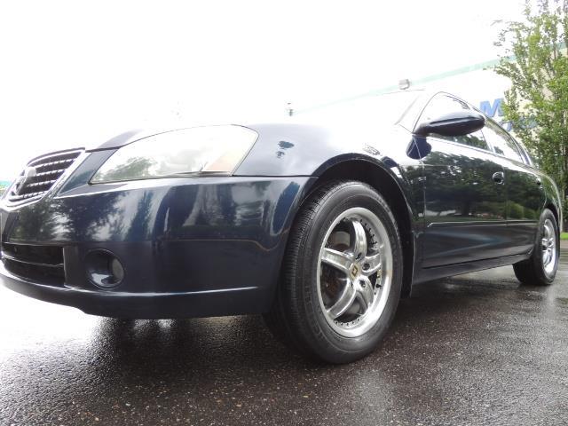 2005 Nissan Altima 3.5 SE / Sedan / Automatic / 6 Cyl - Photo 9 - Portland, OR 97217