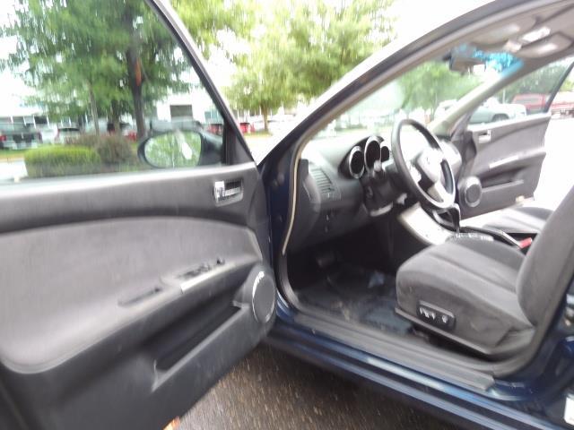 2005 Nissan Altima 3.5 SE / Sedan / Automatic / 6 Cyl - Photo 13 - Portland, OR 97217