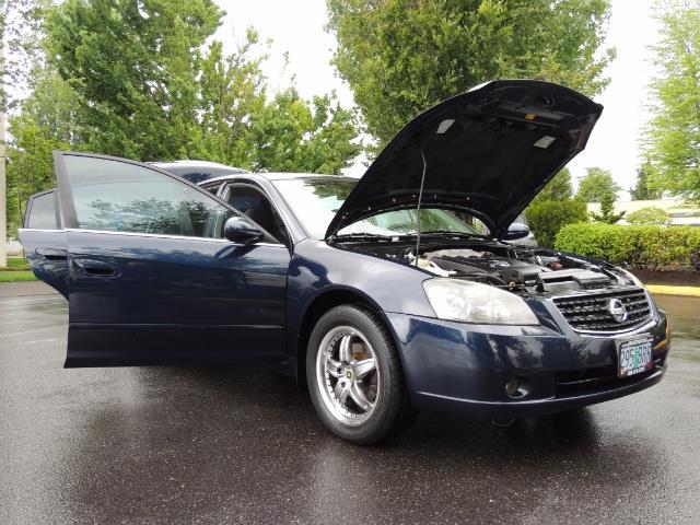 2005 Nissan Altima 3.5 SE / Sedan / Automatic / 6 Cyl - Photo 30 - Portland, OR 97217
