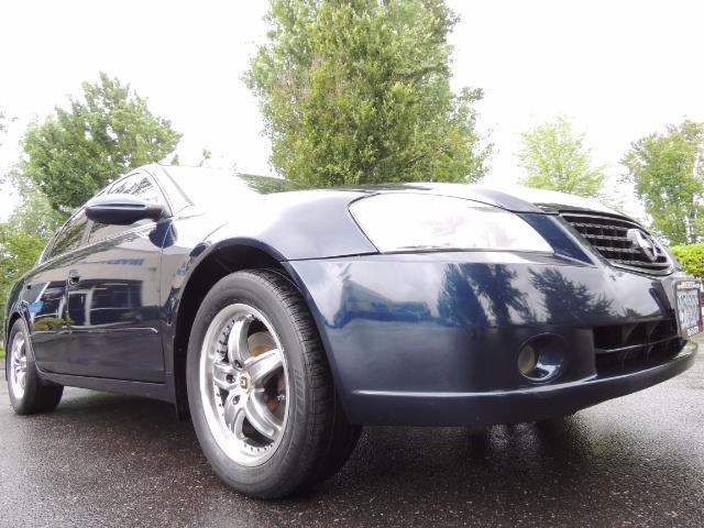 2005 Nissan Altima 3.5 SE / Sedan / Automatic / 6 Cyl - Photo 10 - Portland, OR 97217