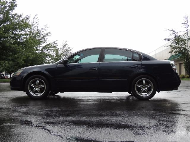 2005 Nissan Altima 3.5 SE / Sedan / Automatic / 6 Cyl - Photo 3 - Portland, OR 97217