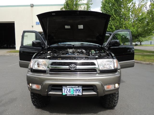 1999 Toyota 4Runner Limited 4WD / V6 / Leather / Sunroof / LIFTED - Photo 40 - Portland, OR 97217