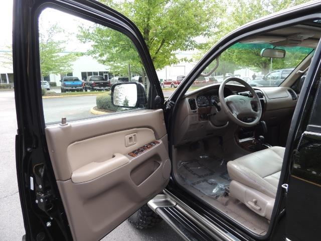 1999 Toyota 4Runner Limited 4WD / V6 / Leather / Sunroof / LIFTED - Photo 13 - Portland, OR 97217