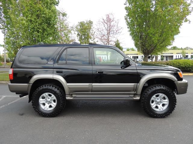 1999 Toyota 4Runner Limited 4WD / V6 / Leather / Sunroof / LIFTED - Photo 3 - Portland, OR 97217