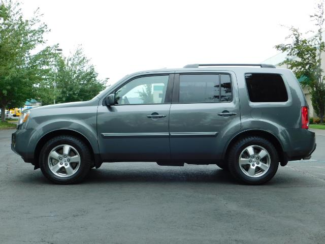 2009 Honda Pilot EX-L ALL WHEEL DRIVE / 3RD SEAT LEATHER / 1-OWNER - Photo 3 - Portland, OR 97217