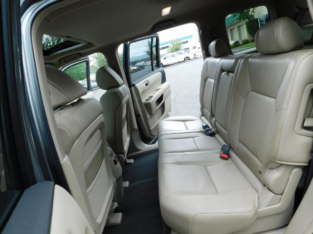 2009 Honda Pilot EX-L ALL WHEEL DRIVE / 3RD SEAT LEATHER / 1-OWNER - Photo 15 - Portland, OR 97217