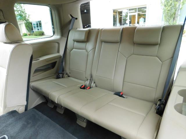 2009 Honda Pilot EX-L ALL WHEEL DRIVE / 3RD SEAT LEATHER / 1-OWNER - Photo 16 - Portland, OR 97217