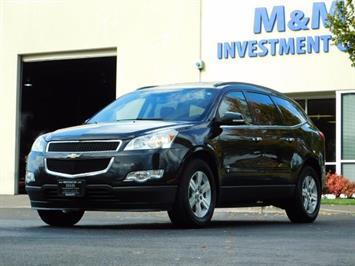 2010 Chevrolet Traverse LT / AWD / 3RD SEAT / DOUBLE SUNROOF/ DVD / BCKUP SUV