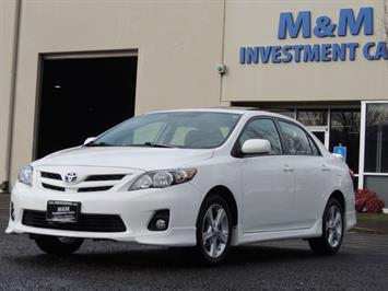 2012 Toyota Corolla S / Sunroof / Spoiler / 5-SPEED MANUAL / Excel Con Sedan