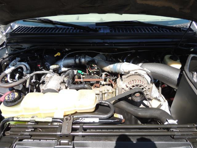 2001 Ford Excursion Limited / 4WD / 7.3L DIESEL / Excel Cond - Photo 33 - Portland, OR 97217