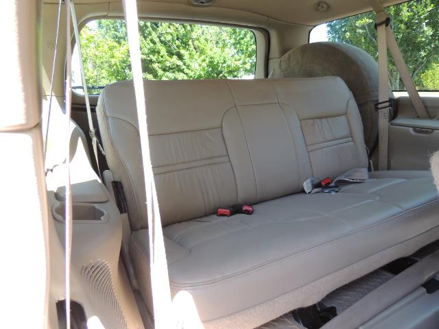 2001 Ford Excursion Limited / 4WD / 7.3L DIESEL / Excel Cond - Photo 35 - Portland, OR 97217