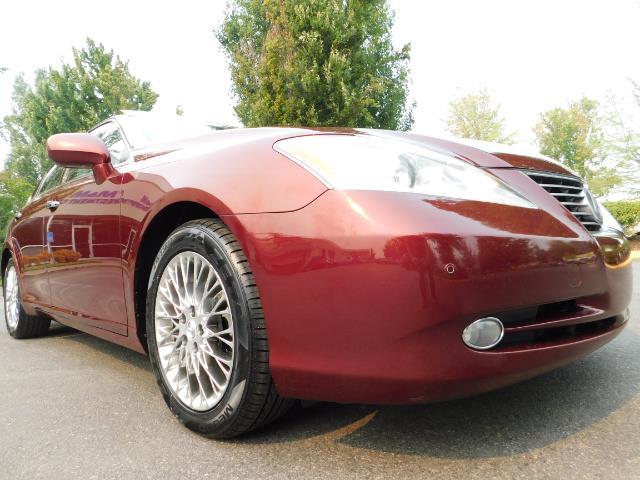 2007 Lexus ES 350 / Premium Plus / Pano Sunroof / Adaptive Cruis - Photo 10 - Portland, OR 97217