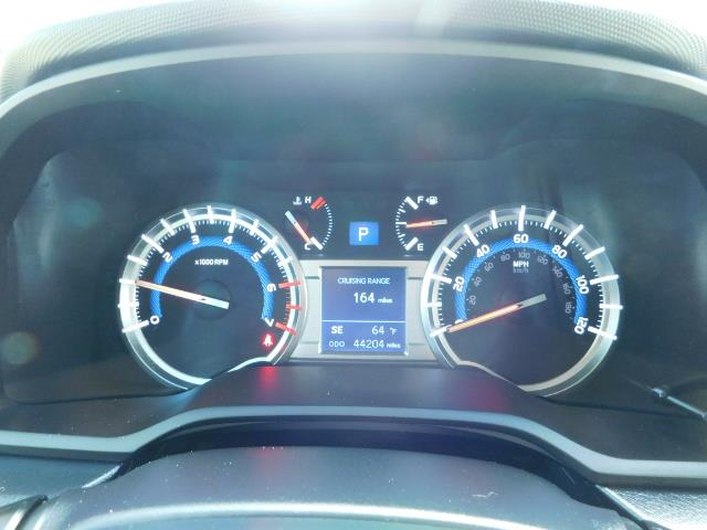 2016 Toyota 4Runner SR5 / 4WD / Navigation / backup camera / LIFTED - Photo 40 - Portland, OR 97217