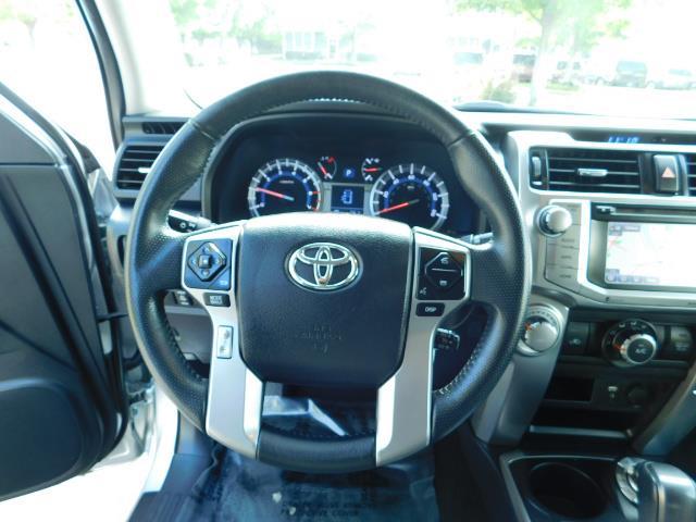 2016 Toyota 4Runner SR5 / 4WD / Navigation / backup camera / LIFTED - Photo 39 - Portland, OR 97217