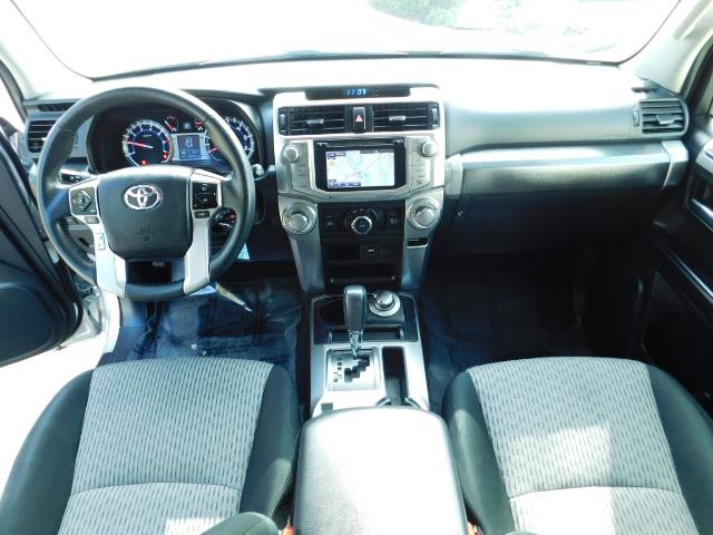 2016 Toyota 4Runner SR5 / 4WD / Navigation / backup camera / LIFTED - Photo 18 - Portland, OR 97217