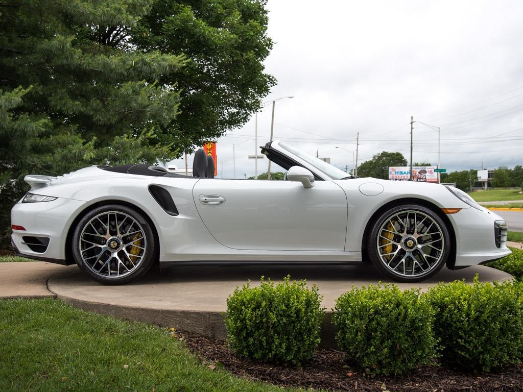2015 Porsche 911 Turbo S - Photo 10 - Springfield, MO 65802