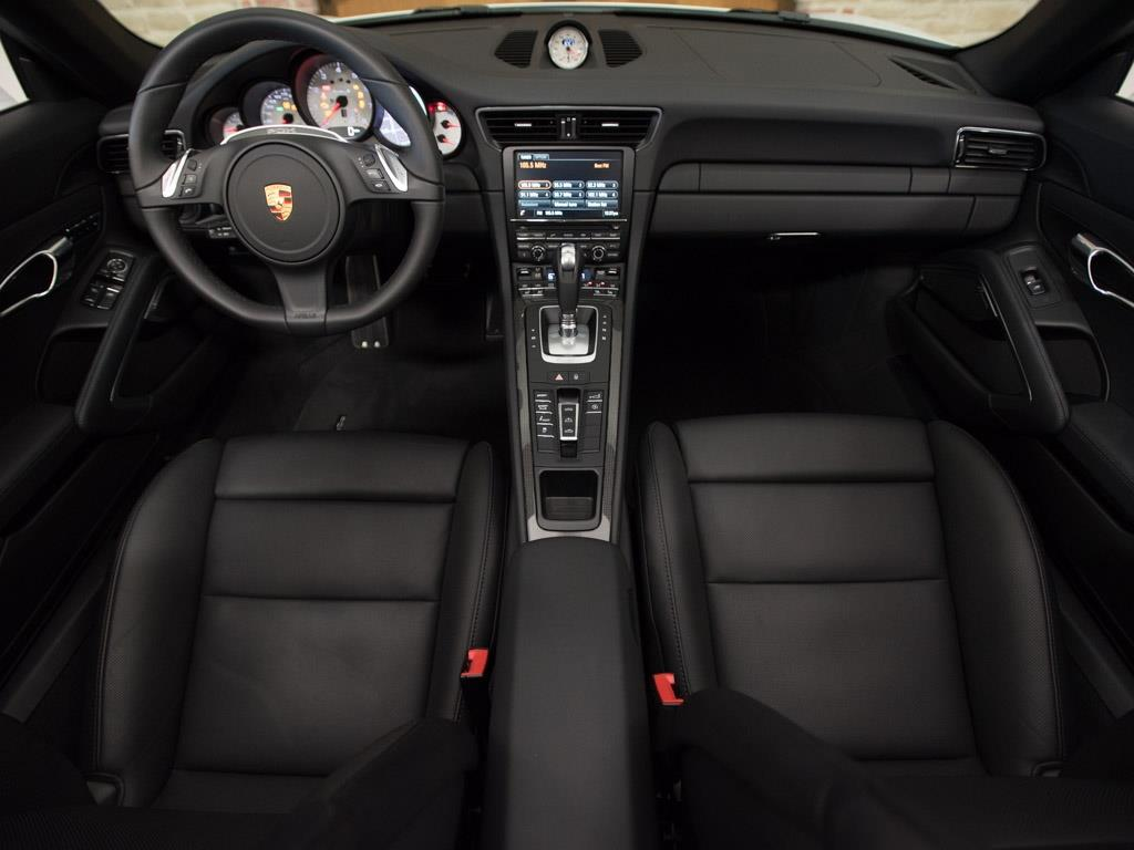 2015 Porsche 911 Turbo S - Photo 2 - Springfield, MO 65802