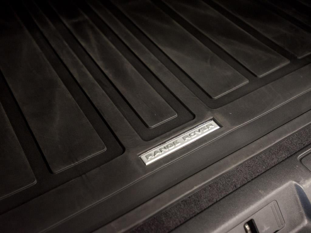 2016 Land Rover Range Rover Sport SVR - Photo 30 - Springfield, MO 65802